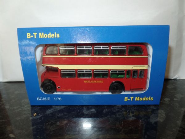 B T Models B109B 1/76 OO Scale Bristol Lodekka LD Bus Closed Back West Yorkshire Harrogate